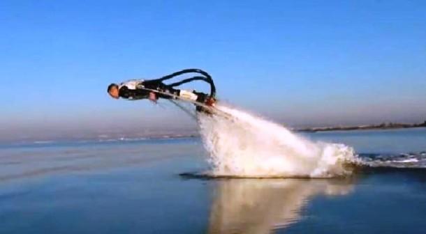 flyboard piruetas en el mar moto de agua