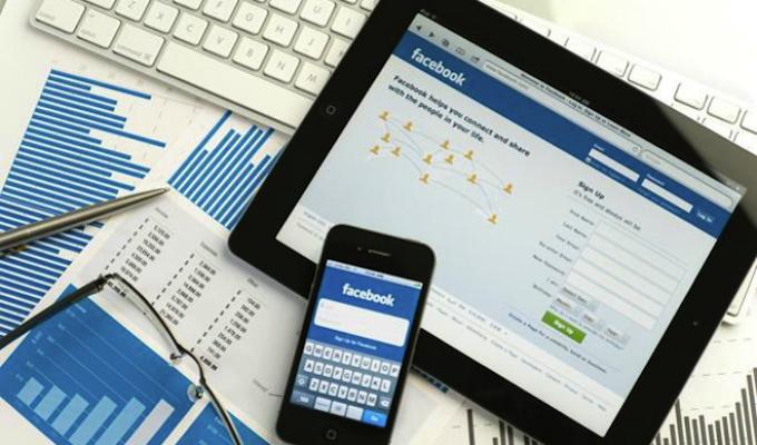 Facebook, Google y Twitter aceptan eliminar mensajes de odio de usuarios en Alemania
