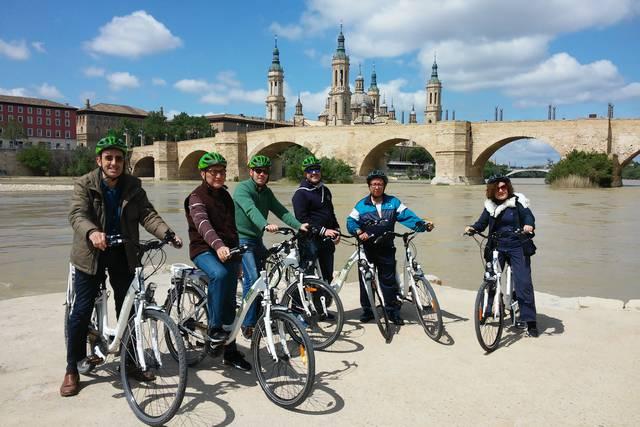 hotel barato en Zaragoza y disfruta de un paseo en bici eléctrica