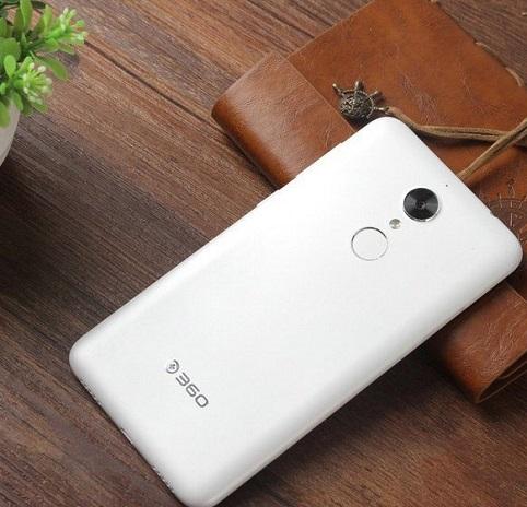 Lanzamiento-del-smartphone-360-N4S