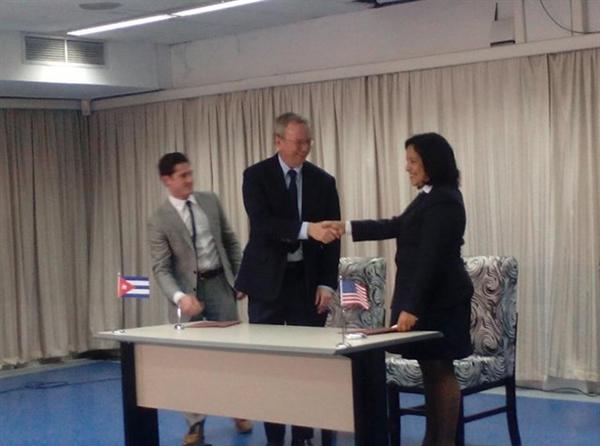 Google-firma-un-acuerdo-con-Etecsa-para-mejorar-el-acceso-a-internet-en-Cuba