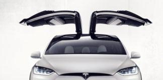 Los-coches-Tesla-desembarcan-en-España