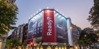 Vodafone España. Lonas contaminación.