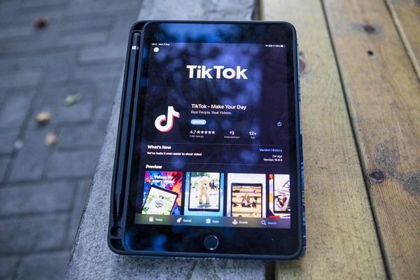 WeChat y TikTok descargas